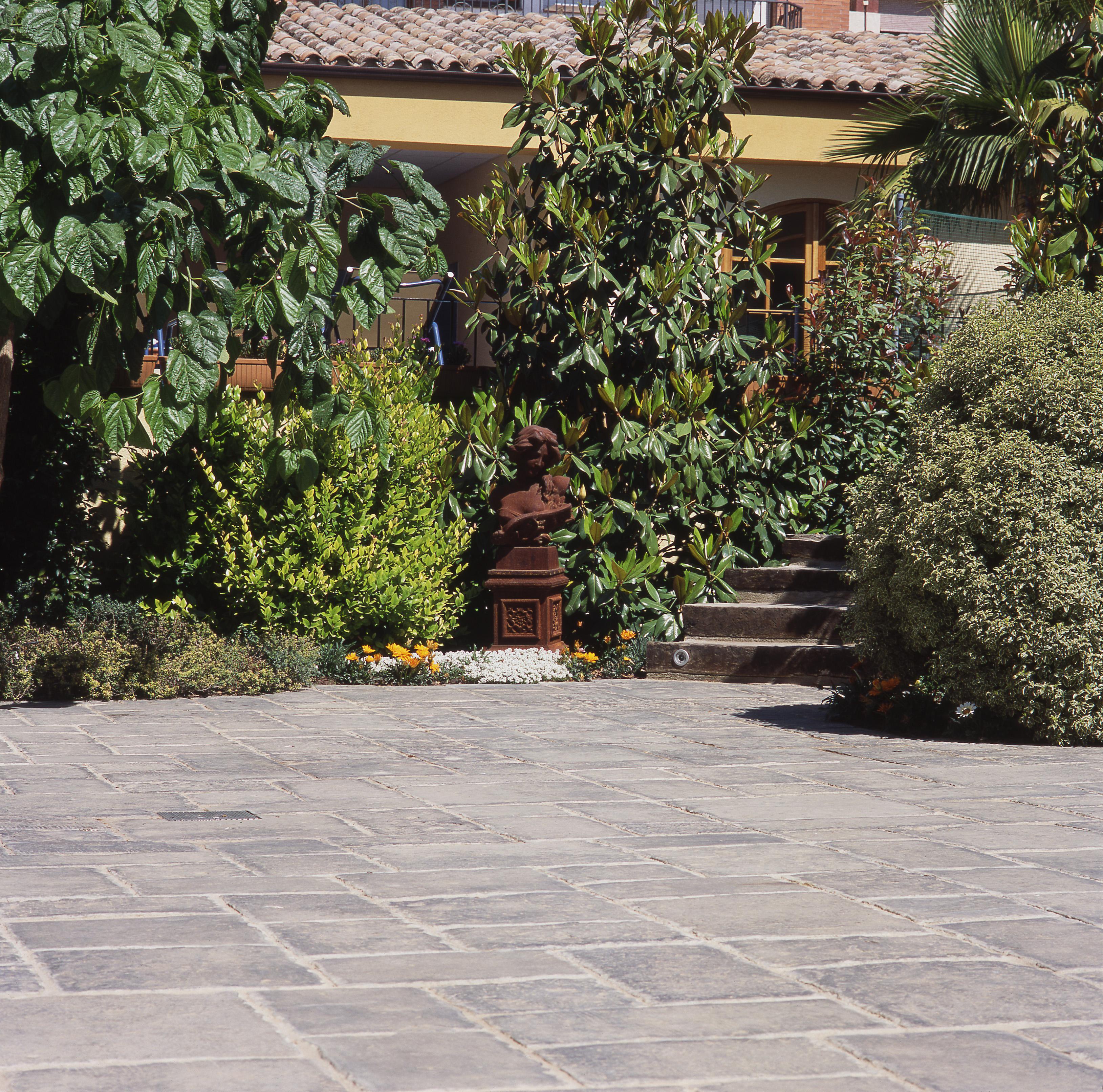 bradstone pavers gallery kings building material. Black Bedroom Furniture Sets. Home Design Ideas