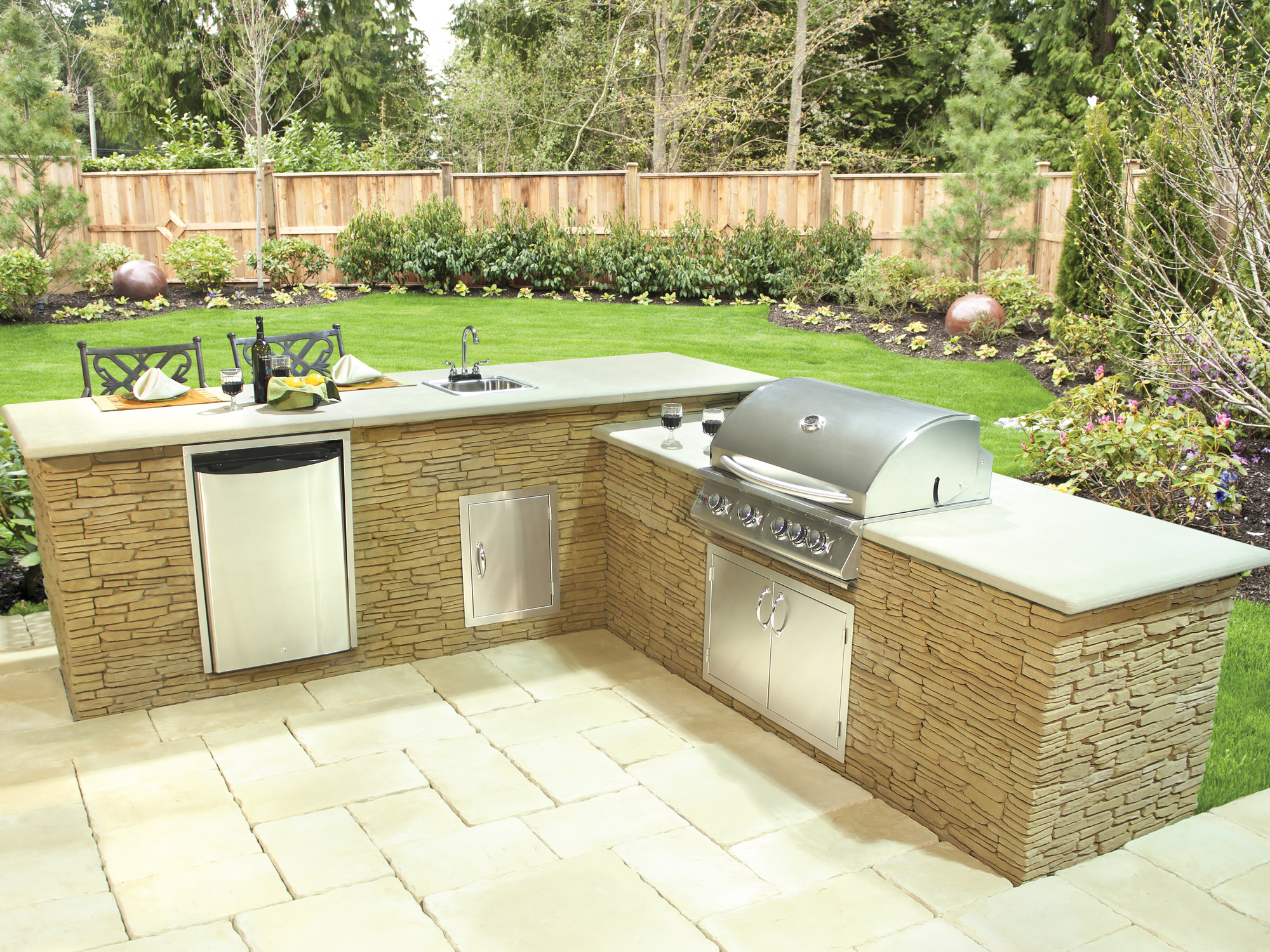 Madoc Kitchen & Bar Kit from Bradstone Wall Systems Collection
